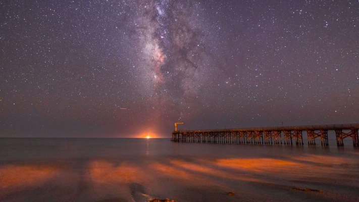 California - Gaviota Pier and the Milky Way - Timelapse