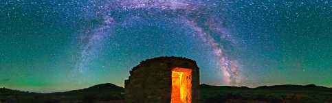 Nevada - Glowing Ruins Under the Milky Way - 360
