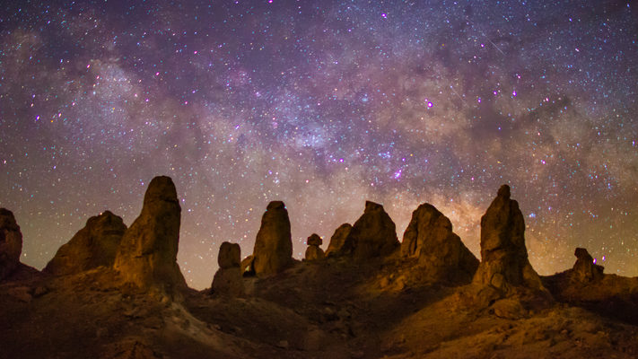 Milky Way Rising Over Trona Pinnacles - Timelapse