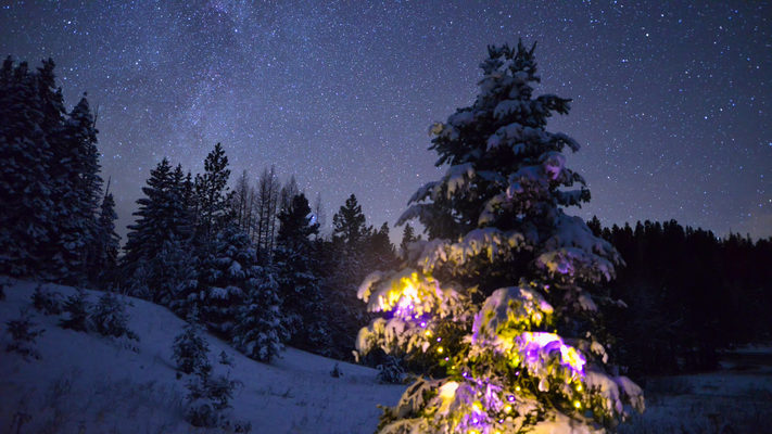 Washington - Christmas at Blewett Pass - Winter Night Timelapse