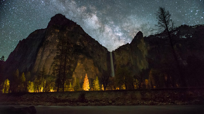 Yosemite - Bridalveil Falls and the Merced River Under the Milky Way - Timelapse