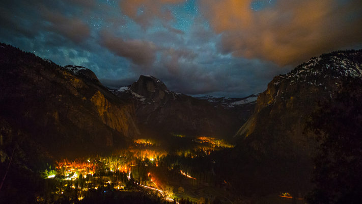 Yosemite Valley - Night Timelapse